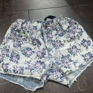 Arizona distressed floral blue jeans shorts 7 EUC